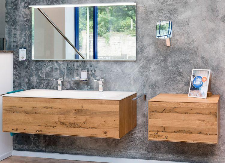 was ein tapetenwechsel am tag des bades auf sich hat hier der bericht. Black Bedroom Furniture Sets. Home Design Ideas